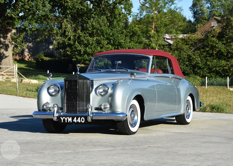 A Sign of Wealth - The Rolls Royce Silver Cloud